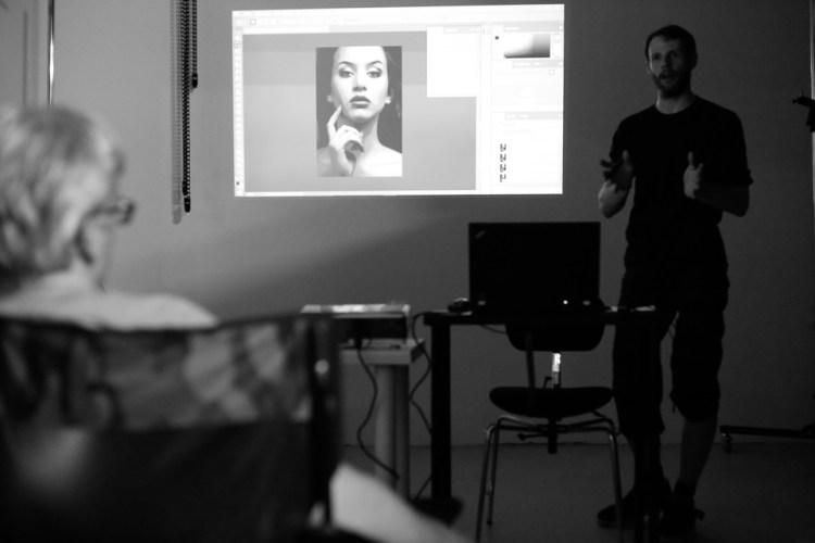 Stefan Wolfram beim Photostop Vortrag auf dem 6. Studioabend