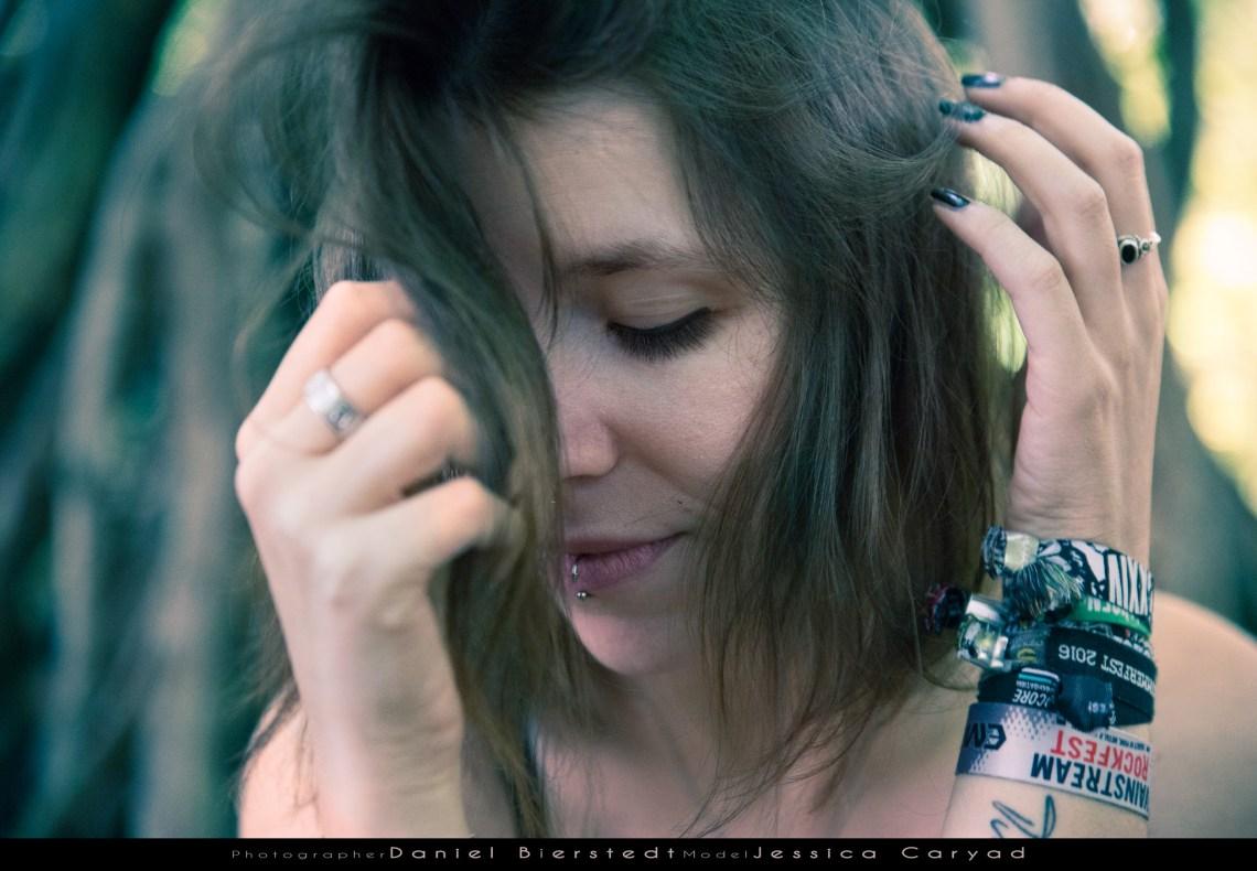Jessica Caryad Portrait im Wald