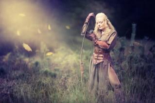 Cornelia LARP als Waldelbe in der Heide