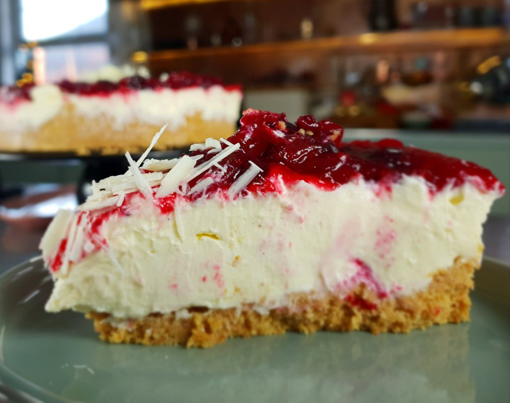 cranberry & white chocolate cheesecake