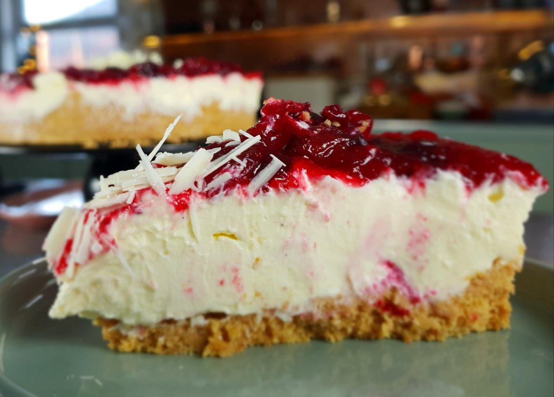 cranberry & white chocolate cheesecake