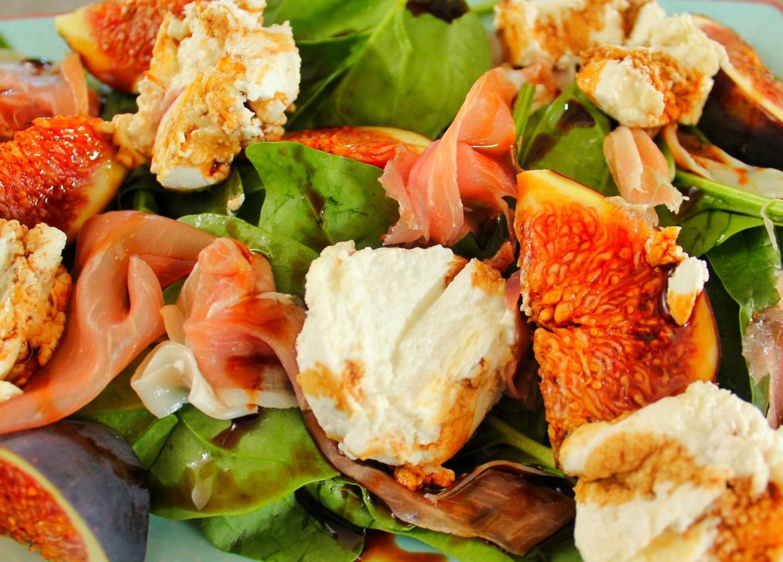 warm goats cheese, fig & parma ham salad