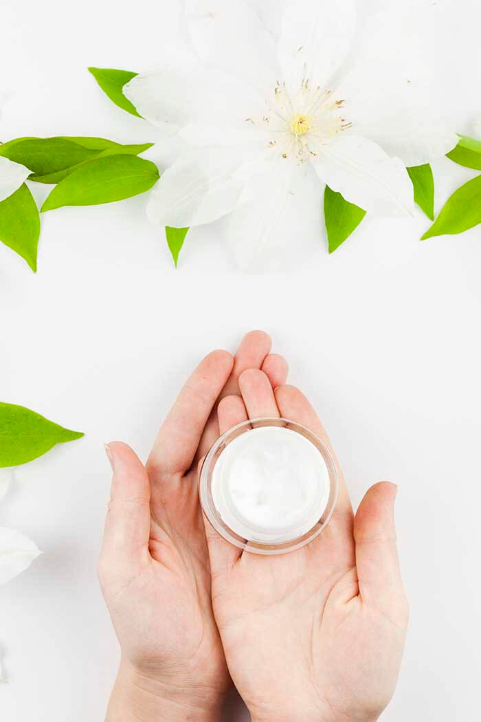 Rotina de cuidados faciais e receita de tônico natural
