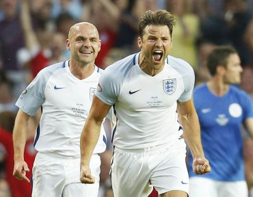 Mark Wright after scoring after his incredible free kick!