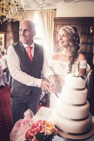 wedding, cutting of the cake, daniel fletcher photography