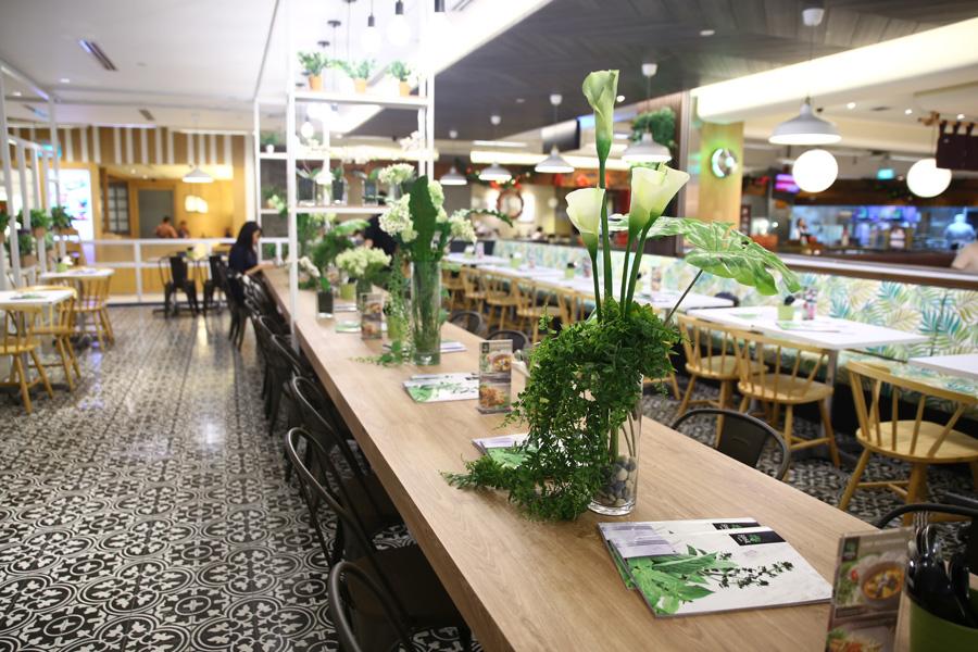 Basil Thai Kitchen Restaurant Paragon Pretty Garden
