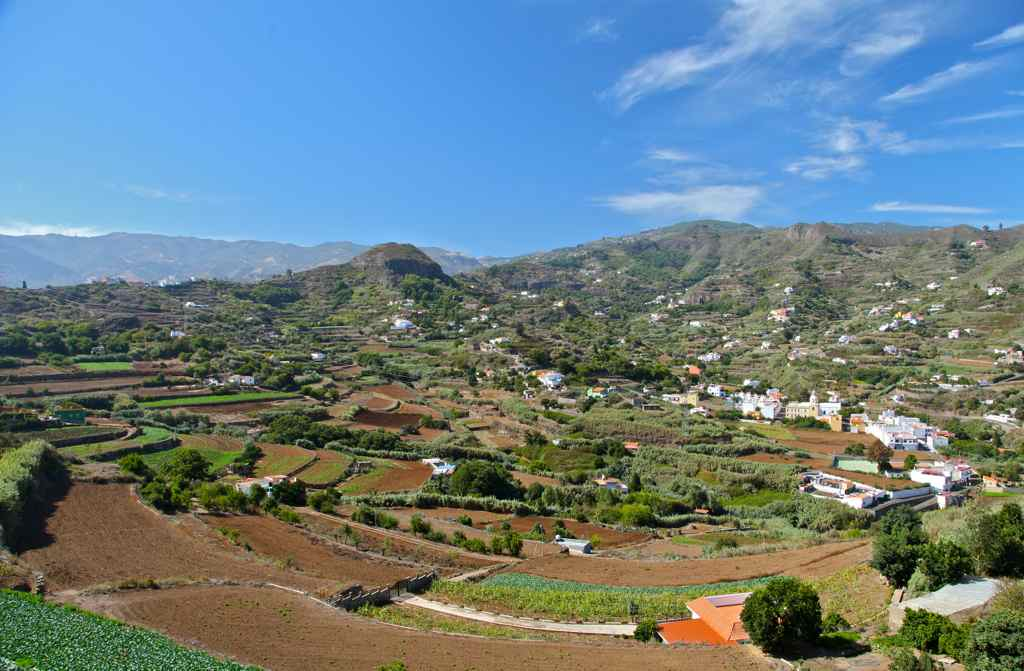 Duft-Reisende – Blick ins Tal von Arbejales