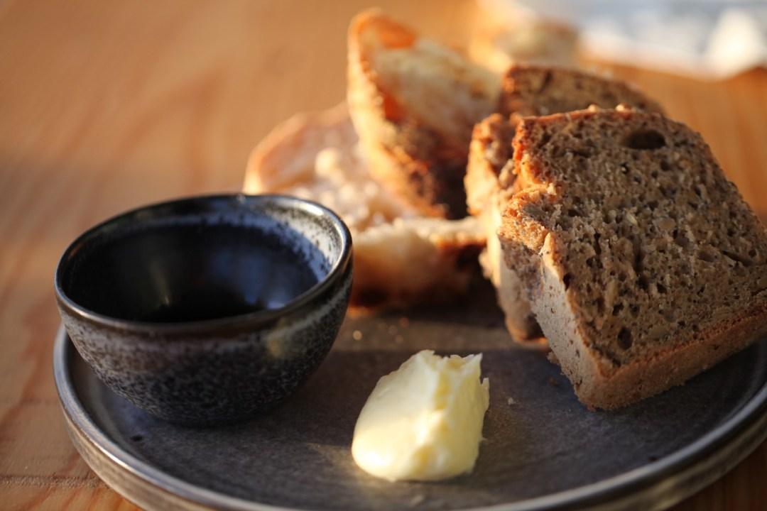 Duft-Reisende – Portugal- Elska Kitchen- selbstgebackenes Brot und Olivenöl aus der Region und frische Butter