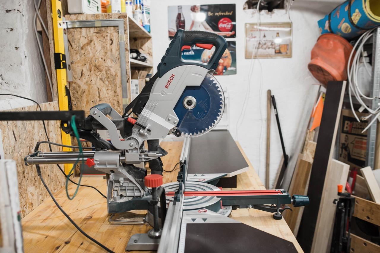 BOSCH Professional Paneelsäge GCM 8 SJL mit Expert Wood Sägeblatt