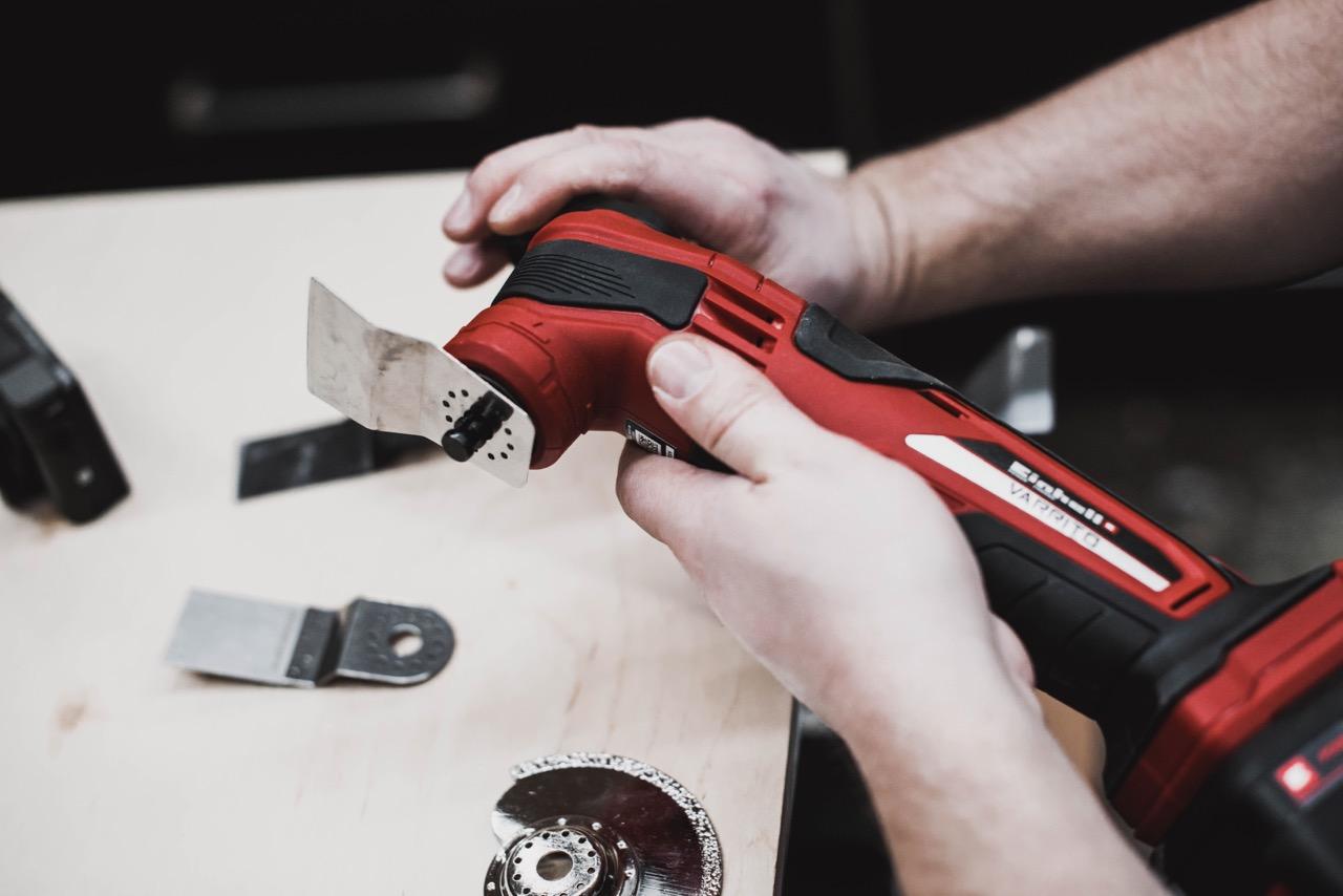 Werkzeugwechsel Einhell Akku-Multifunktionswerkzeug VARRITO