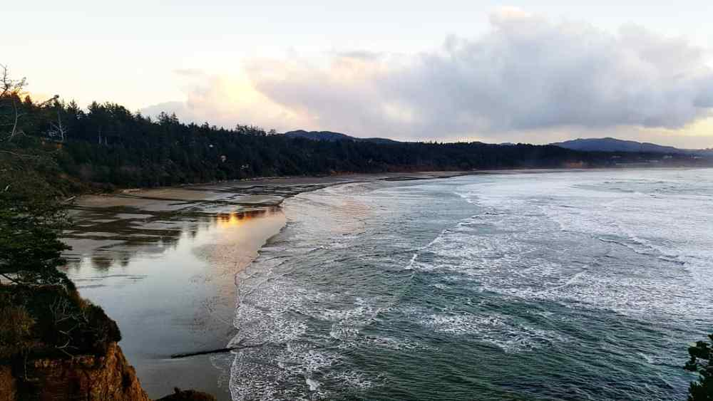 Oregon Coast Devils Punch Bowl - 6 Things I Learned This Winter