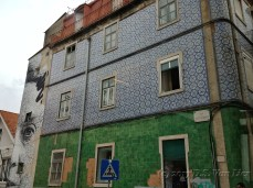 I found this modern mural to be an interesting contrast to the traditional tiles