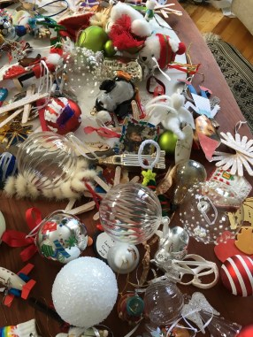 ...clearing up (cleaning up) Christmas..