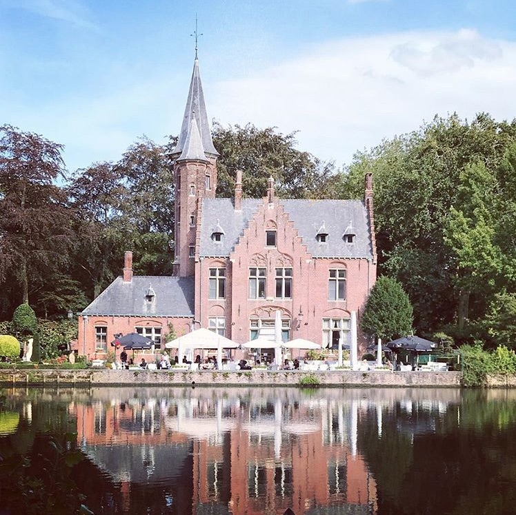 bruges minnewater lake of love