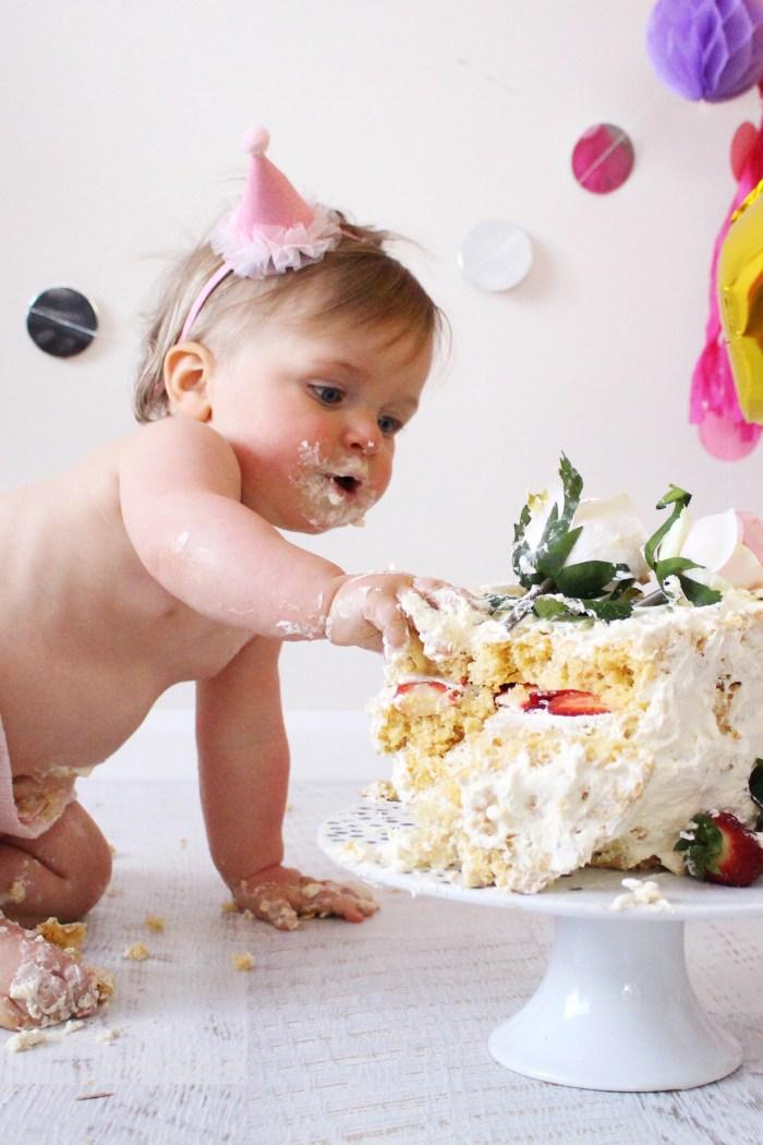 Scarlett Chloe's Cake Smash