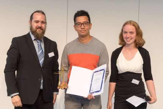 """The teaching prize """"Goldener Zirkel"""" by the student council of mathematics. The prize was awarded for the """"Best Tutorials"""" of the winter semester 2016/17."""