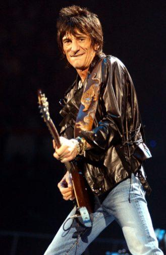 Ron Wood et les Rolling Stones en concert à Bercy