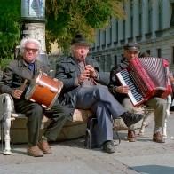 Musiciens de rue à Sofia en Bulgarie au début des années 90