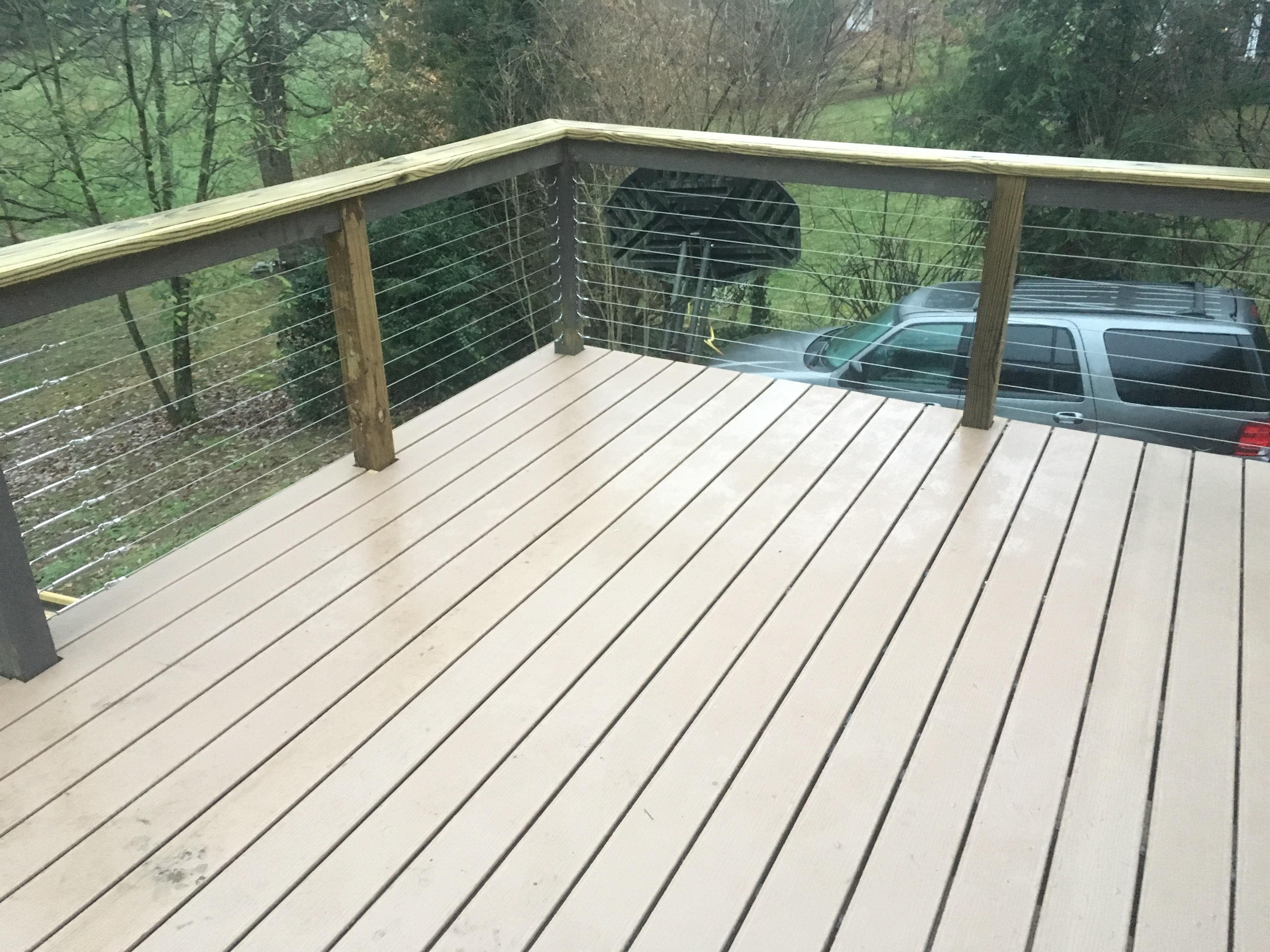 composite deck with metal handrails