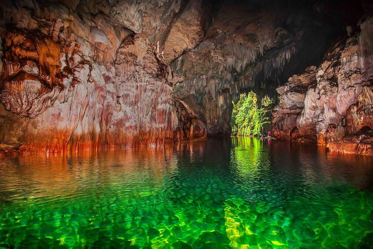 Lussok Underground River is one of the most beautiful tourist spots in the Philippines