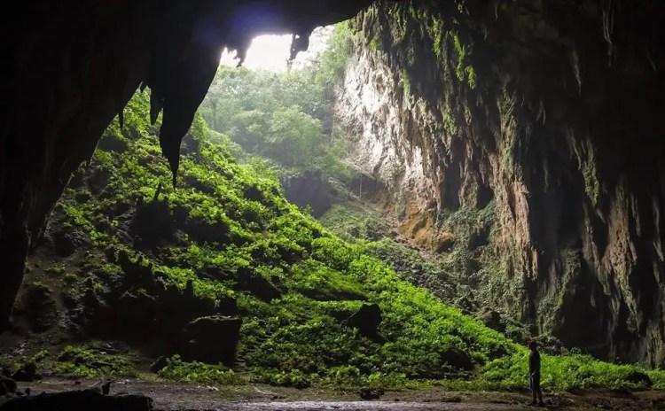 Langun-Gobingob is one of the tourist spots in Samar Island.