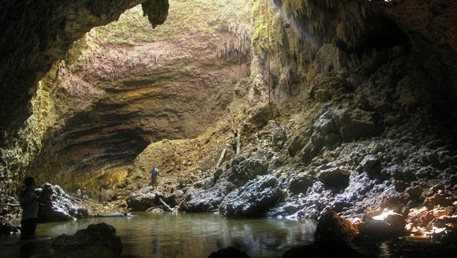 Hinayagan Cave is one Surigao Del Sur tourist spots.