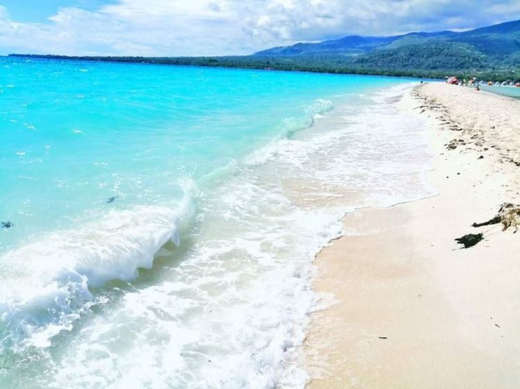 Mantigue Island is one of Camiguin tourist spots.