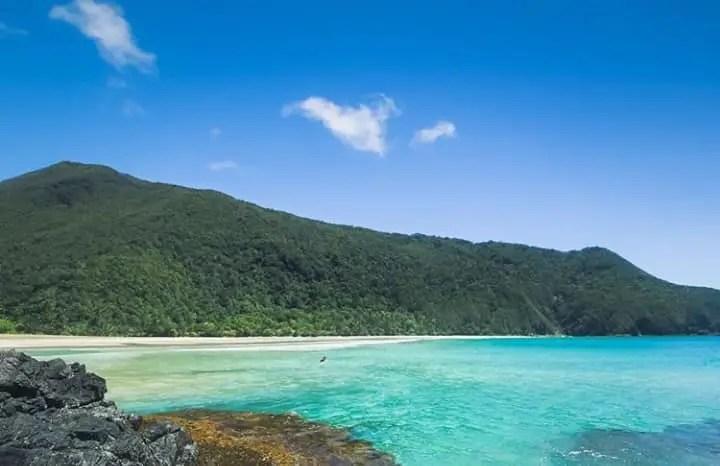 Hinabyan Beach is one of the popular Dinagat Island tourist spots.