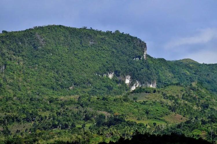 Mt Puting Bato is one of Davao Del Norte tourist spots