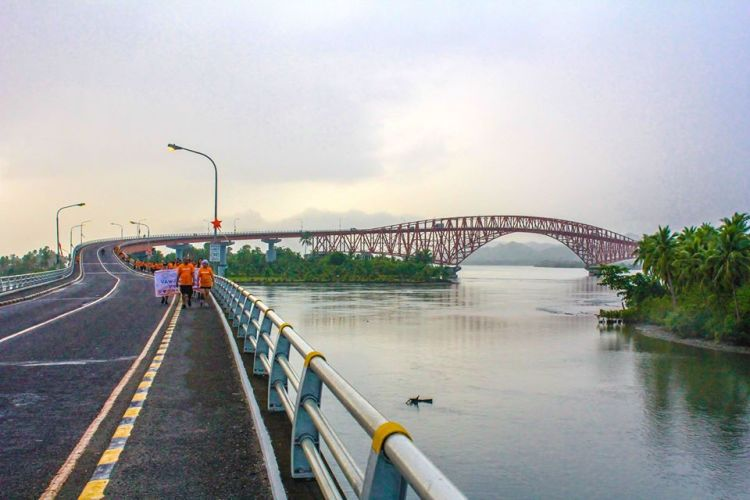 San Juanico Bridge is one of the most popular of Leyte tourist spots.
