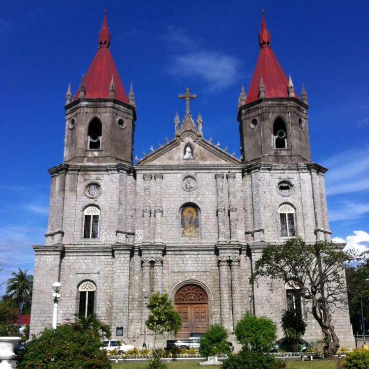 Molo Church is one of the best Iloilo tourist spot