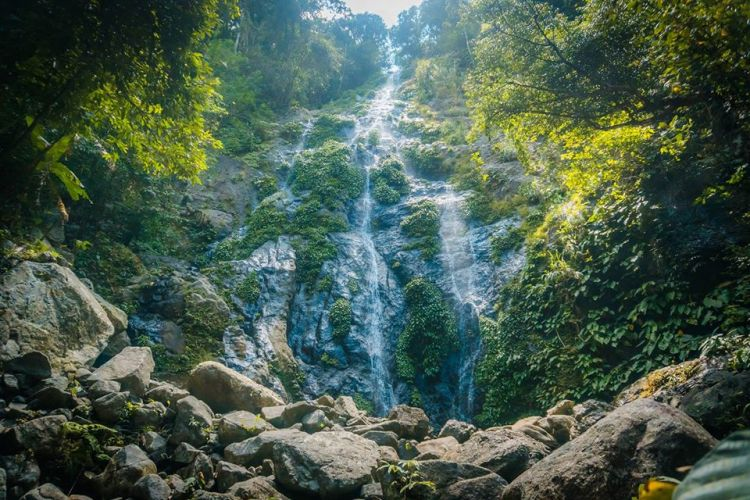 Hinulugan Falls is one of the best Capiz tourist spot