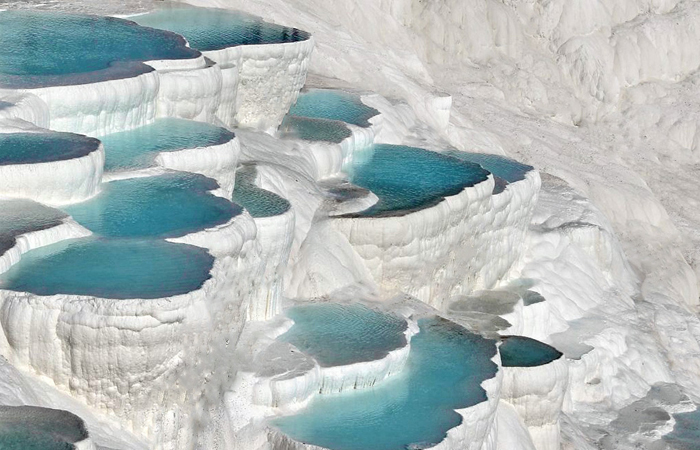 pamukkale-hot-springs-turkey
