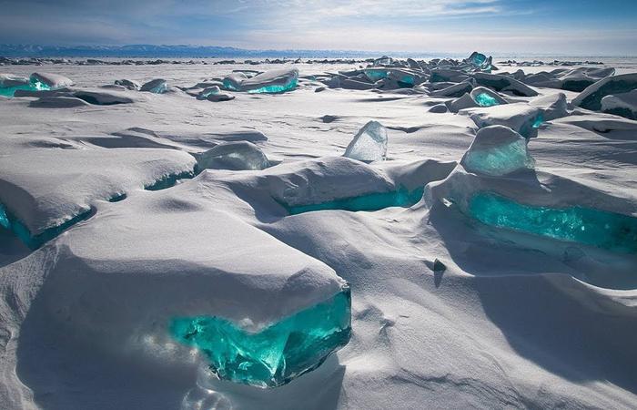 turquoise-ice-lake-baikal-russia