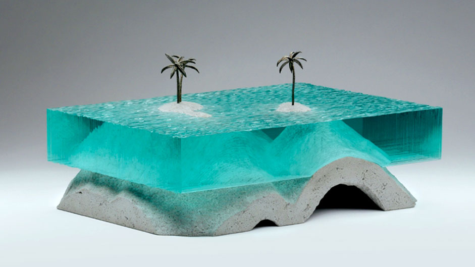 Layered glass sculptures that mimic the ocean and waves