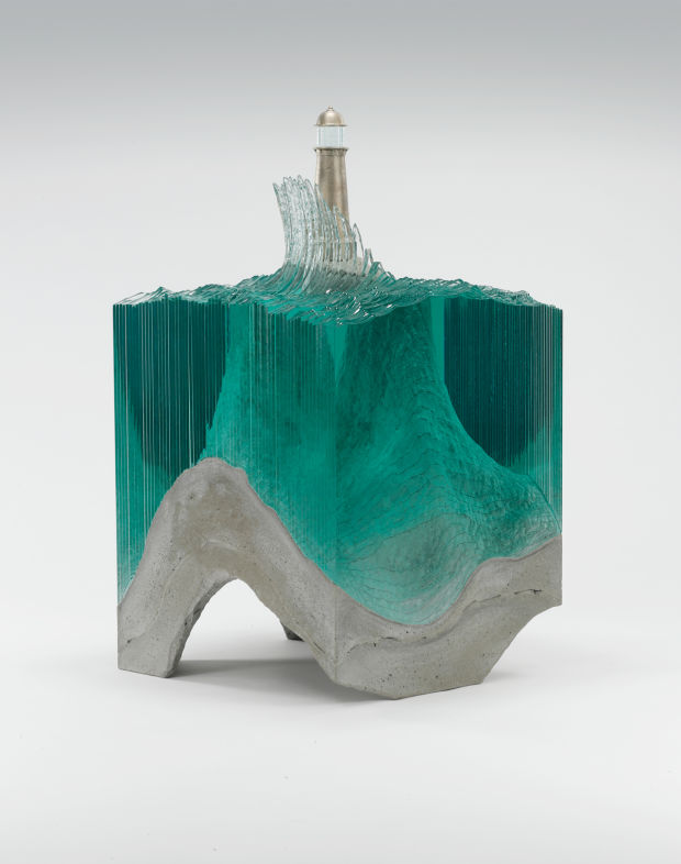 Glass sculptures that mimic the ocean and waves