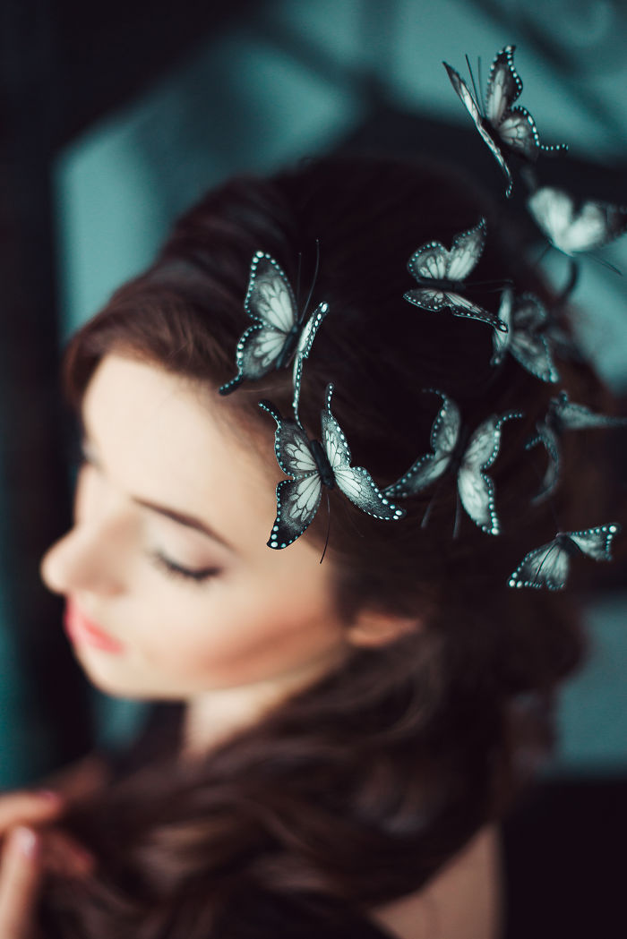 hair-crown-butterfles-flying-around-head-3