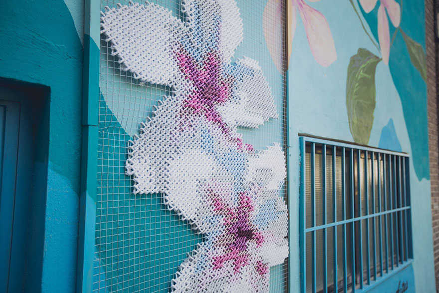 raquel-rodrigo-cross-stitch-street-art-6