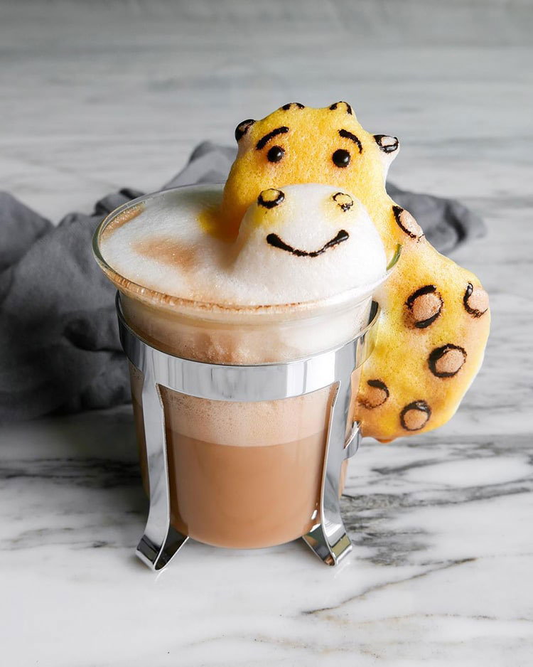 Young woman's spectacular 3D latte art is almost too cute to drink