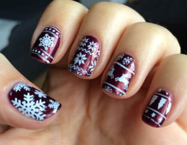 Festive Nail Art Inspired By The Ugly Sweater Trend Daniel Swanick