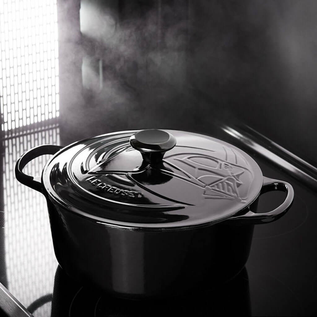Darth Vader™ Round French Oven cookware