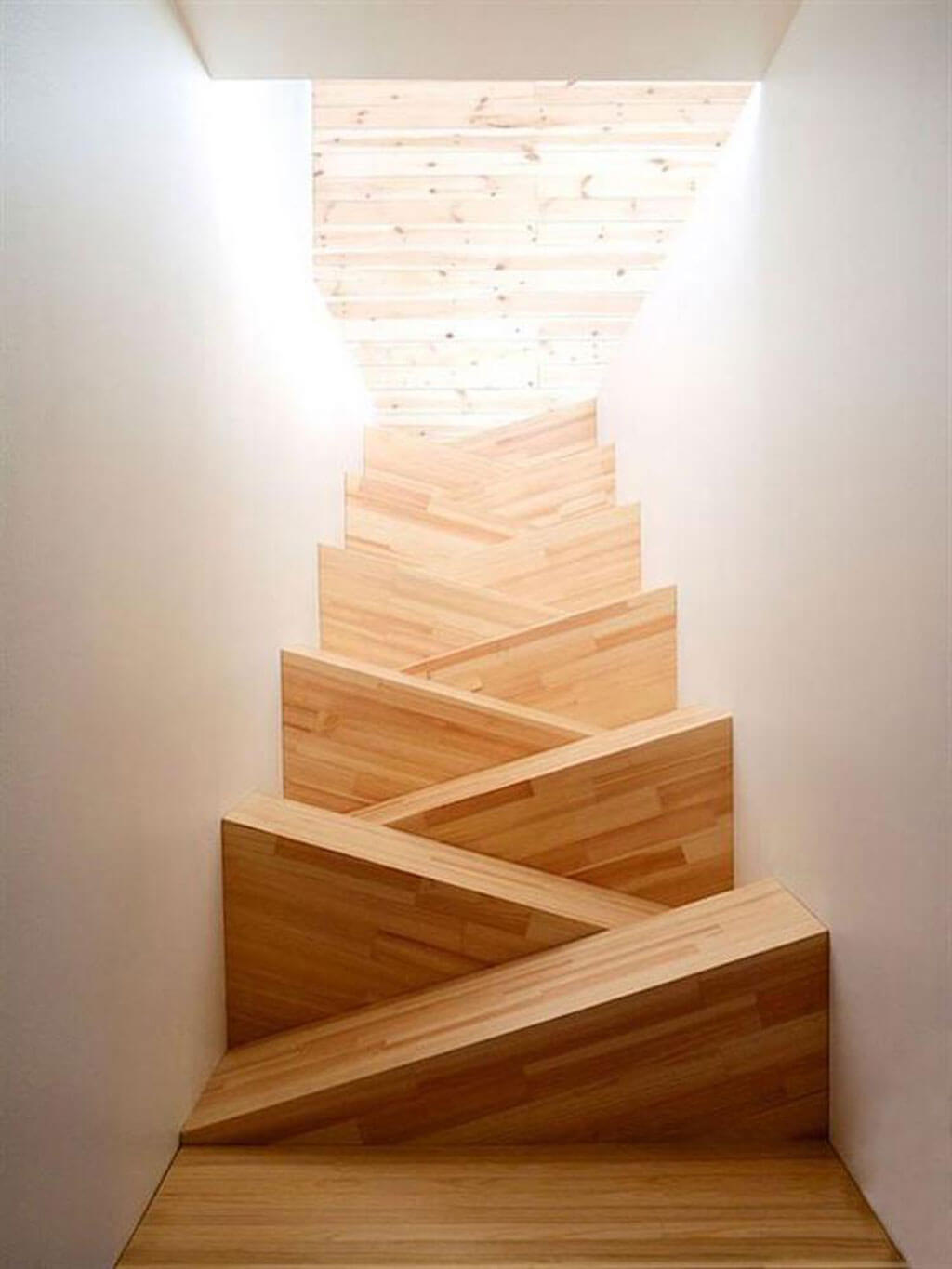 Modern stairs that rethink the steps and their risers
