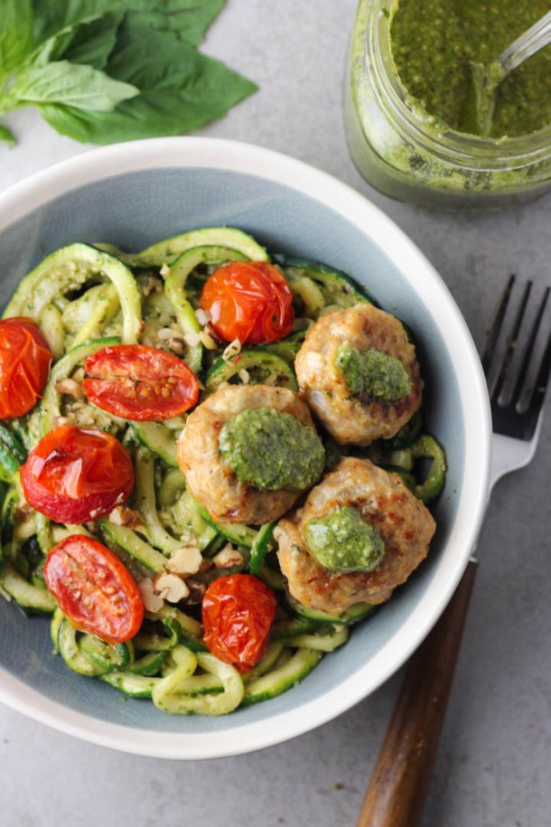 zoodles and meatballs_