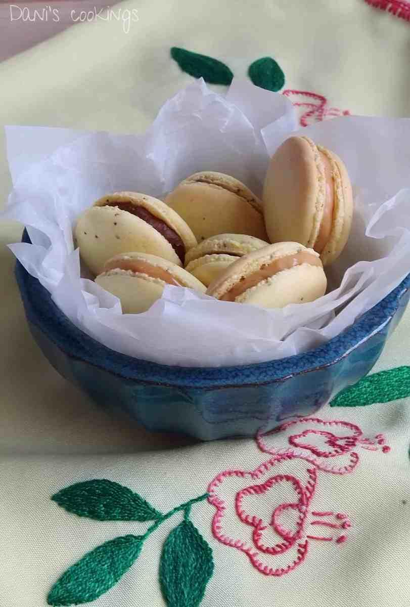 [:en]Lemon macarons with Chocolate & Caramel fillings[:bg]Лимонови макарони с шоколадов и карамелен пълнеж[:]