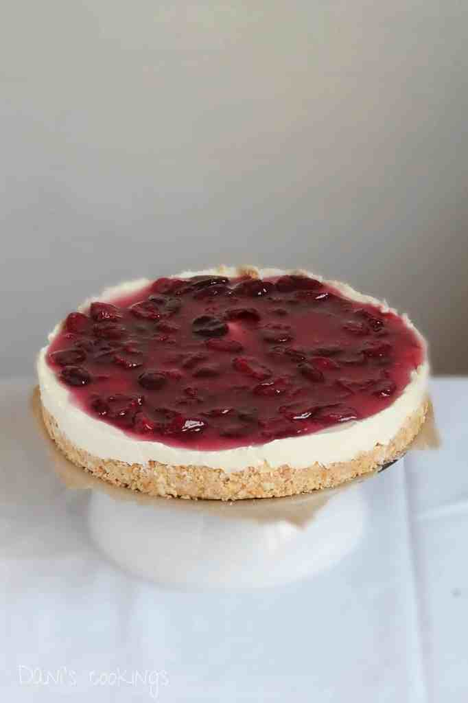 no bake cherry cheesecake - daniscookings.com