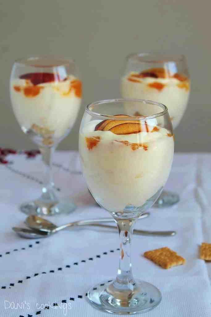 peaches, cream and mascarpone dessert - daniscookings.com