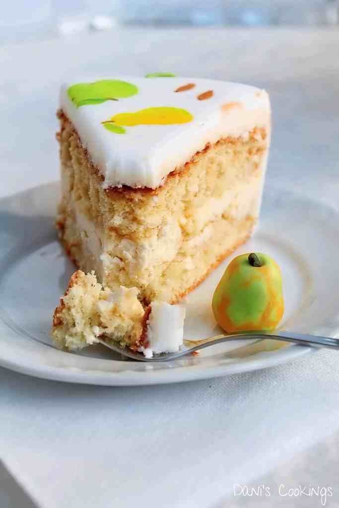 Check out how to make a cake with fondant fruits decoration! A recipe for a sponge layer cake with mascarpone frosting is included in the post.