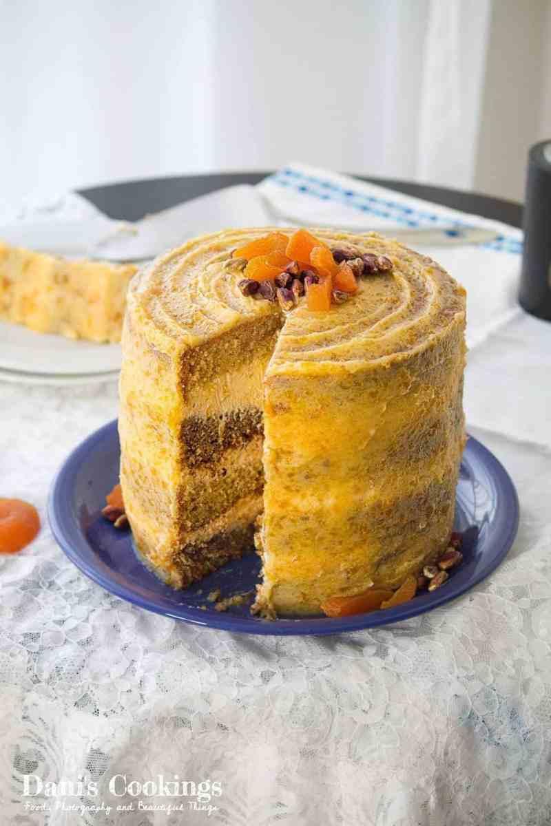 [:en]Lemon pistachio cake with apricot frosting[:bg]Торта с шамфъстък, лимон и сушени кайсии[:]