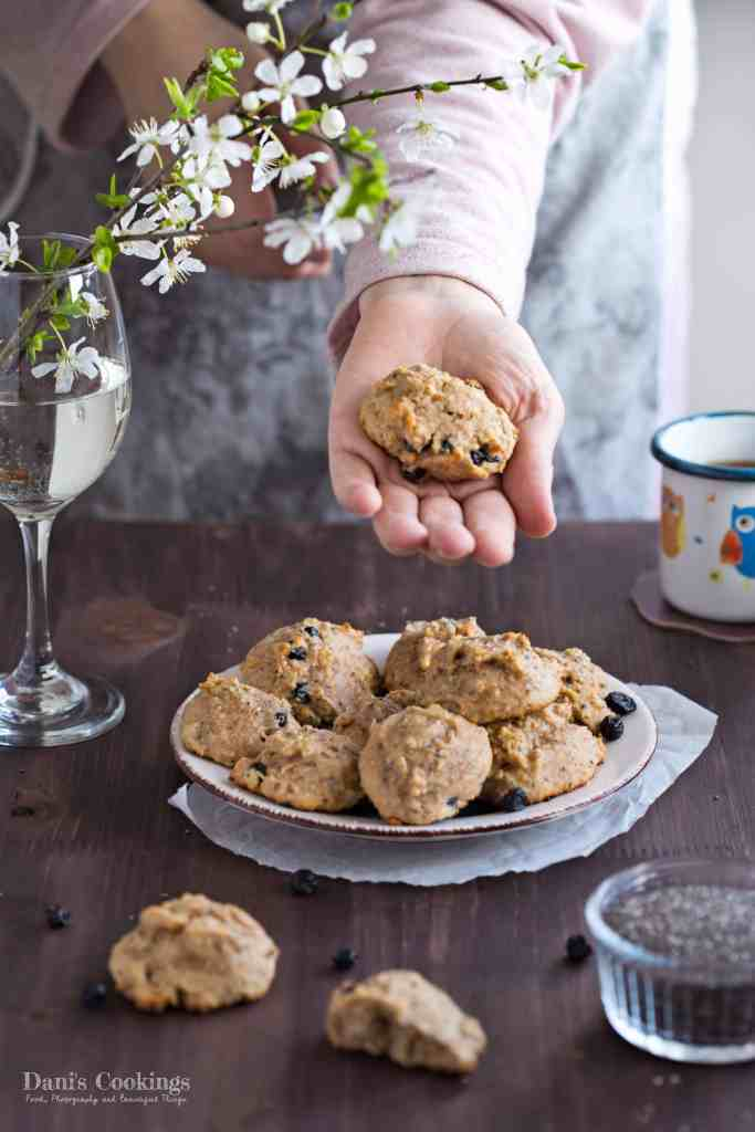 Nice and delicious Healthy Breakfast Cookies with Chia seeds and Dried Blueberries that are perfect for your coffee or tea and good for your kids | Dani's Cookings