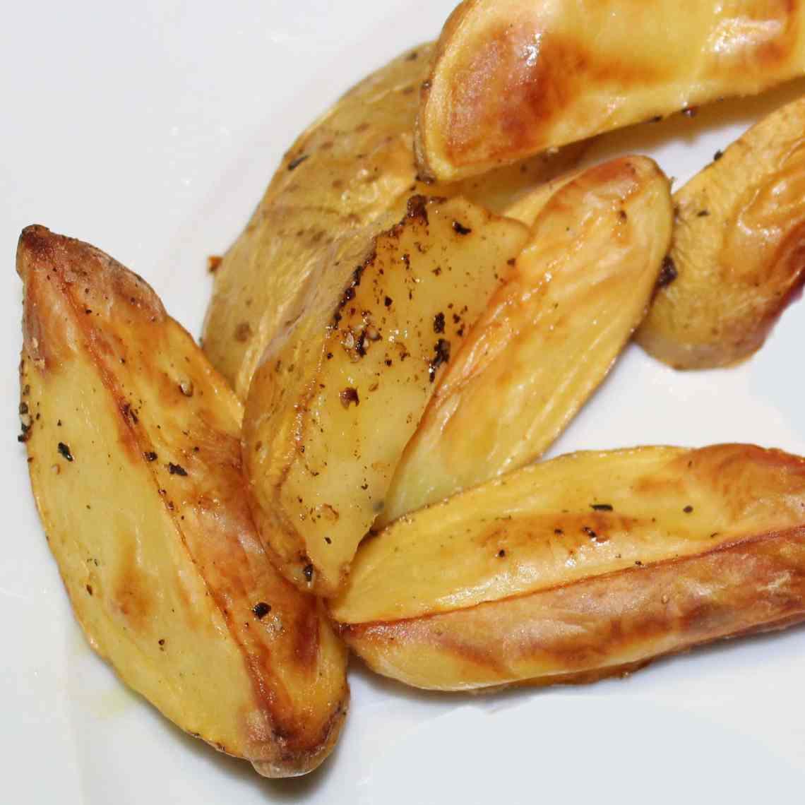 Ovnkartofler - tilbehør til aftensmad, som er nem og sund - find opskrifter og inspiration på danishthings.com
